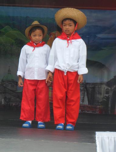 2012 traditional costume show magsasaka